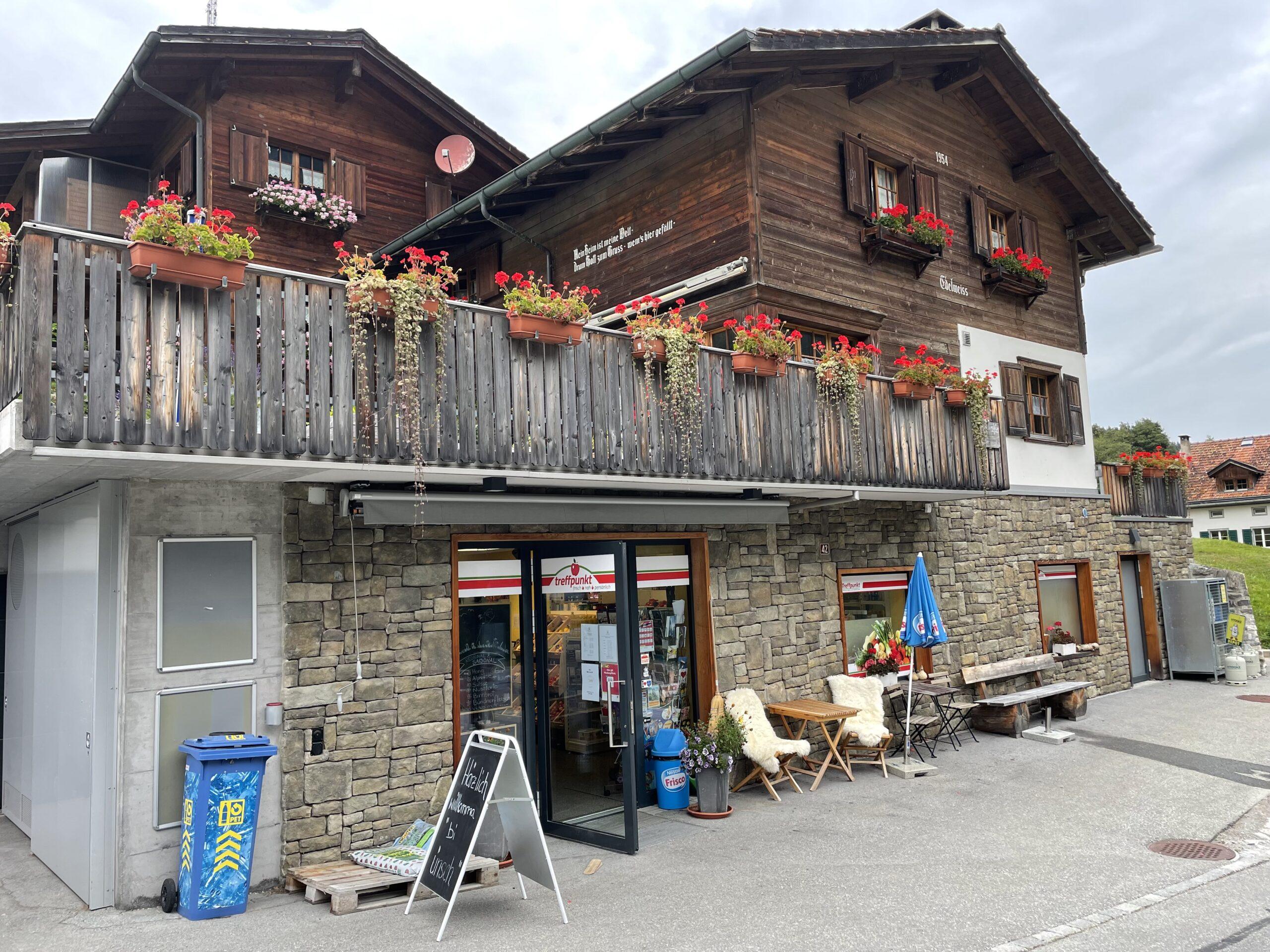 Dorfladen Safien Platz